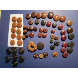 Large Lot VEGETABLE IVORY mostly WHISTLE Type Vintage Buttons 75 Count $6 Ship