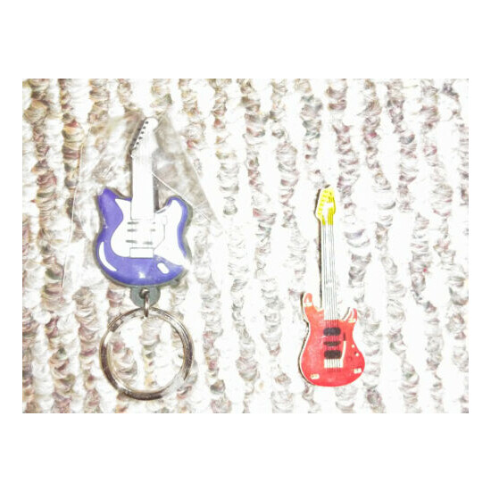 BATTERY LIGHT UP GUITAR PIN AND KEY CAIN - BUDWIESER KEY CAIN AND BOTTEL OPENER